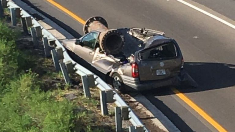 Man survives as car crushed by large piece of scrap metal in Florida (ABC News)