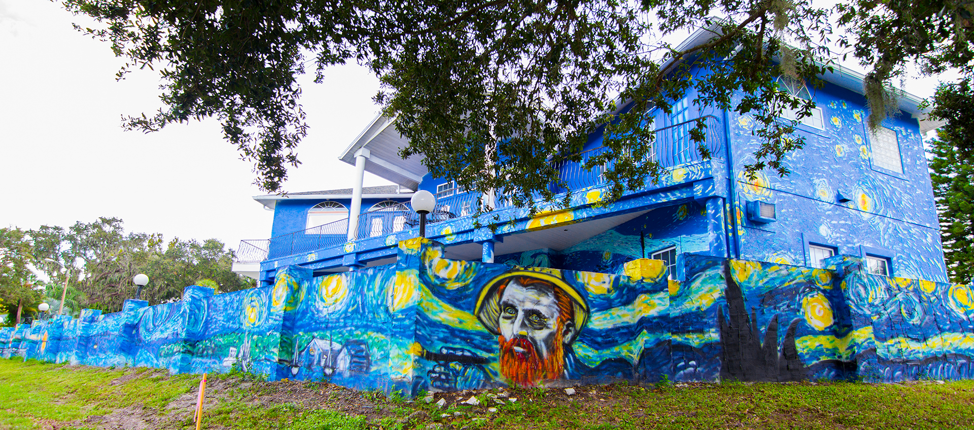 Mount dora city council wages war against van gogh mural for Dora wall mural